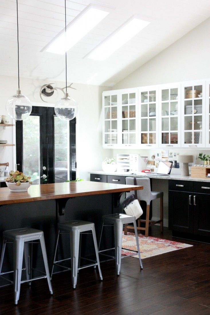 Parlak Siyah Mutfak Dolapları