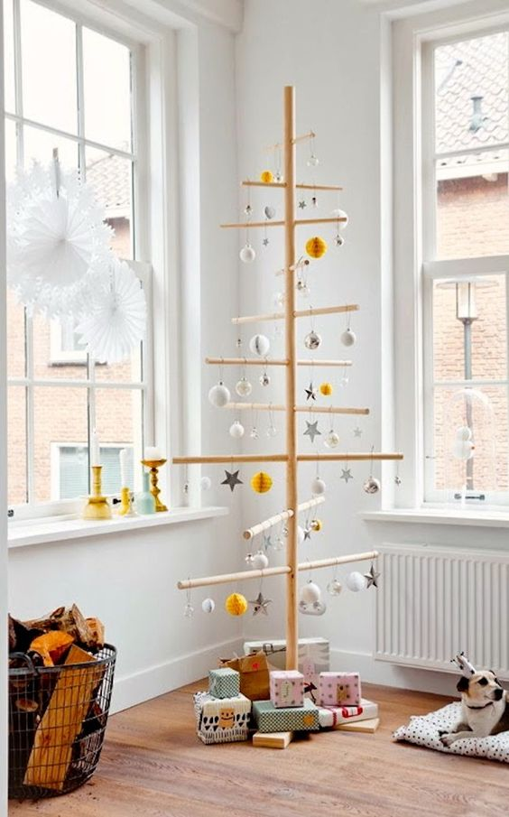 Sopa ağaçlar ve bazı süs malzemeleriyle benzersiz Noel ağacına sahip olabilirsiniz.